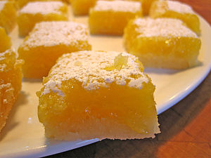 English: Shortbread lemon squares. Italiano: S...