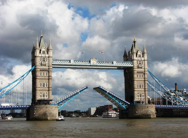 File Tower Bridge London Opened - Wikimedia