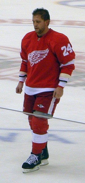 File:Ruslan Salei Detroit Red Wings Oct 8, 2010.JPG