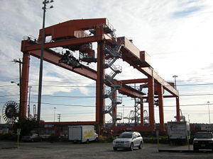 RMG (Rail-mounted gantry) container crane (loa...