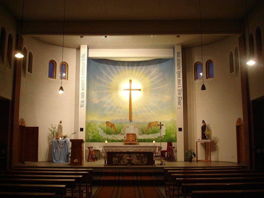 FileRomancatholic church of Saint Thrse of the Child Jesus Pavlodar The altar viewjpg