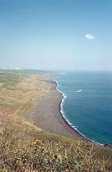 Pantai Iwo Jima dari Suribachi Yama
