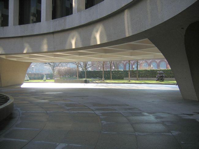 Walk Hirshhorn Museum And Sculpture Garden