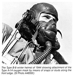 English: A-9 oxygen mask with B-6 winter helme...