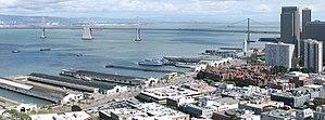 Deutsch: Embarcadero vom Coit Tower in San Fra...