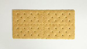 English: A Graham cracker.