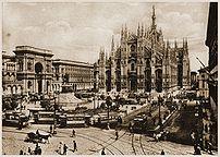 {{it|Milano, piazza duomo all'inizio del XX se...