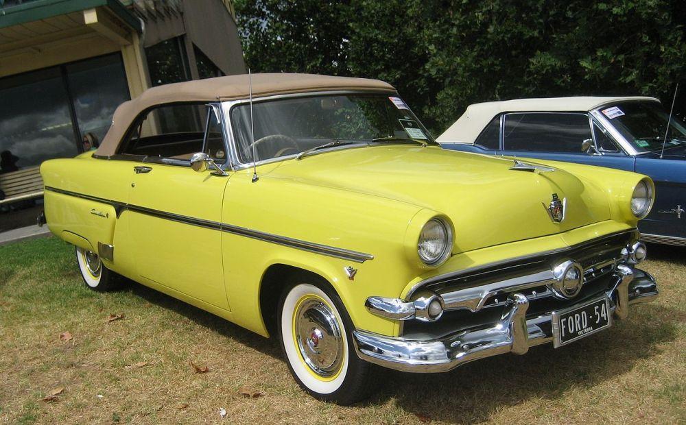 medium resolution of file 1954 ford crestline sunliner convertible jpg