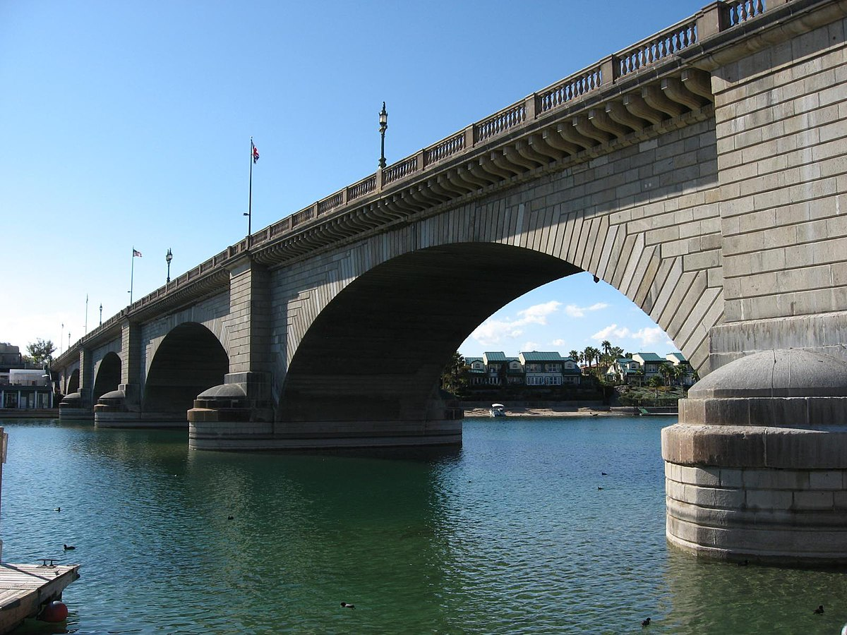 London Bridge Lake Havasu City  Wikipedia
