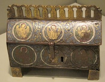 English: Reliquary from Limoges, France, c. 12...