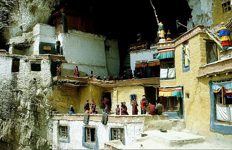 File:Zanskar Phuktal 03.jpg
