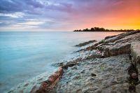 File:Blue-pink-orange sky at sunset, Woodbine Beach ...