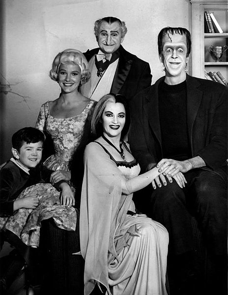 Fichier:Munsters cast 1964.JPG