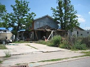 Hamptons Hurricane: A Bankers' Katrina by Greg Palast
