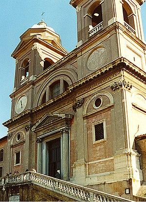 English: The facade of the church of Trinita d...