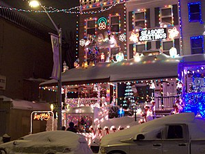 English: Photo of the Christmas lights on 34th...