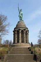 Monumento de Hermann na Floresta de Teutoburgo, datado do século XIX.