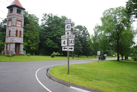 English: Intersection of Connecticut Routes 34...