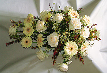 English: Flower arrangement for funeral Dansk:...