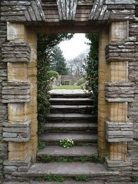 File:Hestercombe Gardens Doorway.jpg - Wikimedia Commons