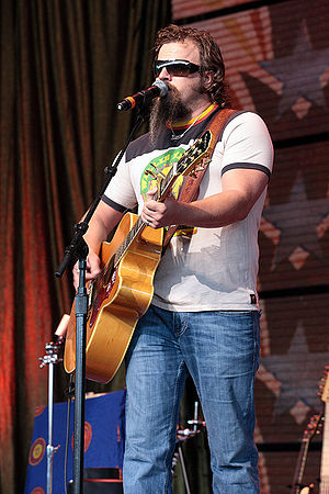 Jamey Johnson performing at Farm Aid 2008