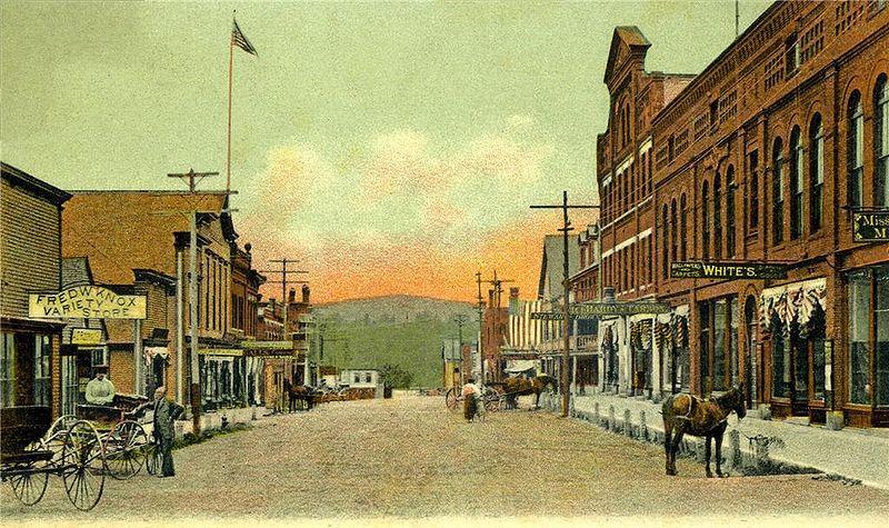File:View of Broadway, Farmington, ME.jpg