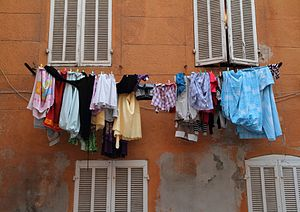 English: Laundry hung out to dry in the Panier...