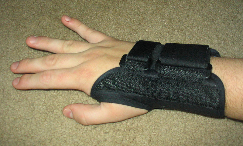 File:Carpal tunnel splint.jpg
