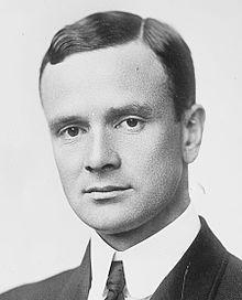 https://i0.wp.com/upload.wikimedia.org/wikipedia/commons/thumb/f/fc/Joseph_Medill_Patterson.jpg/220px-Joseph_Medill_Patterson.jpg