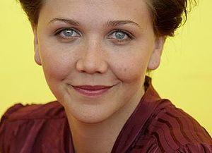 Maggie Gyllenhaal in 2004