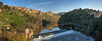 English: A five-segment panorama of the Tagus ...