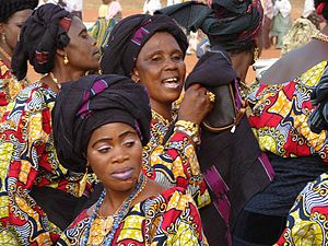 English: Women dancing during Adossa-Kosso, So...