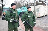 Staatliches Gewaltmonopol, ein Garant für Sicherheit? (Bildquelle: Wikipedia)