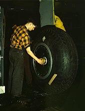 L'obsolescence De L'homme Pdf Gratuit : l'obsolescence, l'homme, gratuit, Pneumatique, (véhicule), Wikipédia