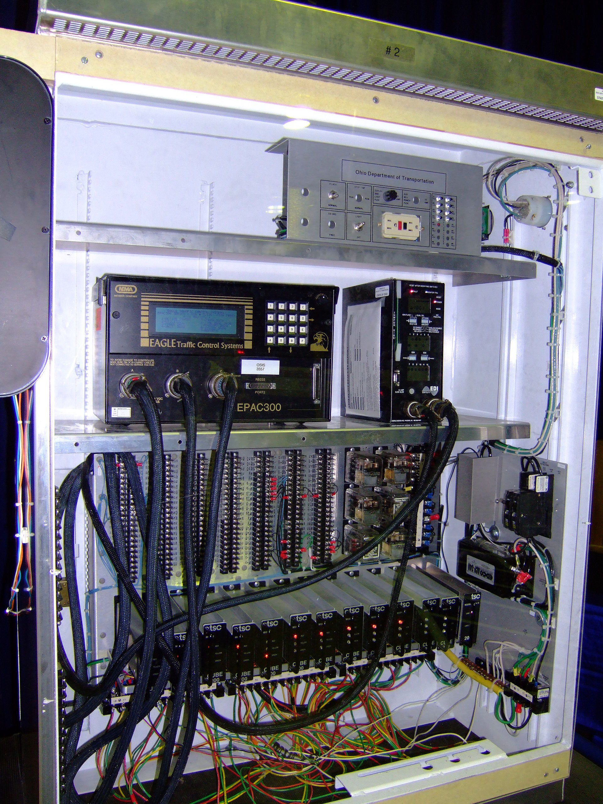 Wiring Diagram For Network Interface Device Traffic Light Control And Coordination Wikipedia