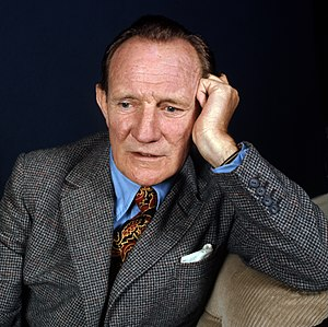 English: Portrait of Trevor Howard. Portrait o...