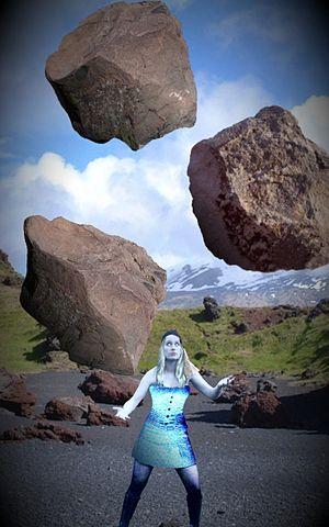 Boulder-juggling