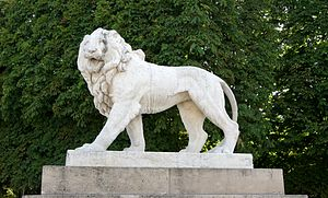 English: one of the two marble lions in the Ja...