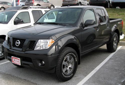 small resolution of file 2011 nissan frontier 12 31 2010 jpg