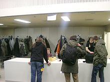 Guardarropa habitacin  Wikipedia la enciclopedia libre
