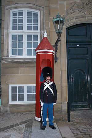 English: Palace Guard, Amalienborg Palace, Cop...