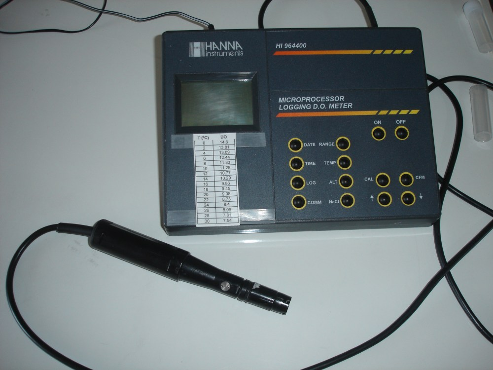 medium resolution of a dissolved oxygen meter for laboratory use