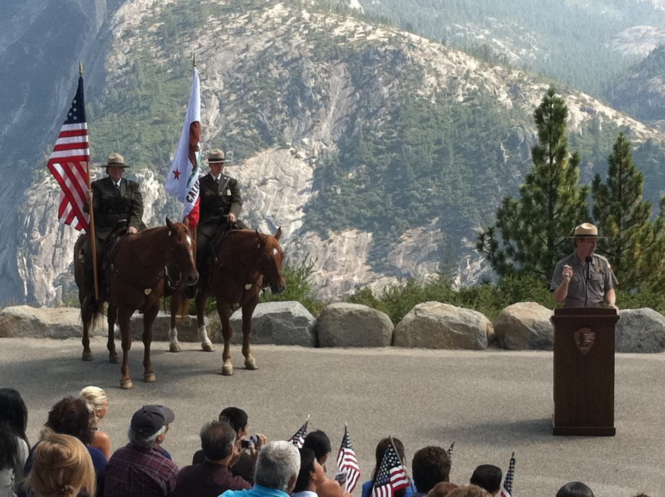 https://i0.wp.com/upload.wikimedia.org/wikipedia/en/1/16/Yosemite_Rangers,_US_Citizenship_Ceremony,_Glacier_Point,_California_2011.jpg?resize=940%2C703&ssl=1 National Park Service Rangers