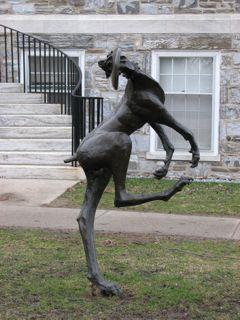 Frisbee Sculpture Wikipedia