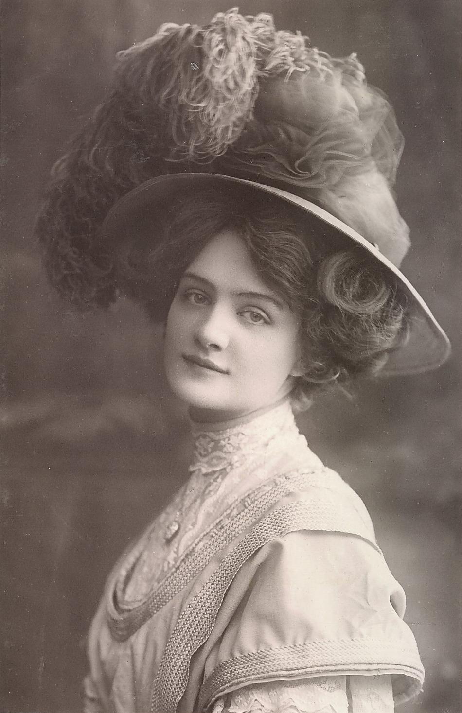 Filelily Elsie  Postcard  Postmarked Oct 1907jpg