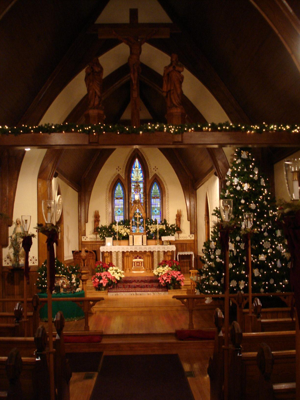 File:St Agnes Church, Algoma WI, interior at Christmas.jpg