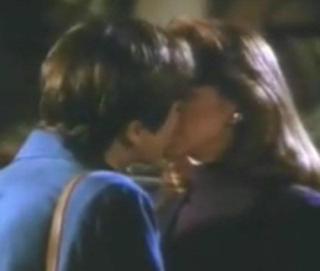 Lesbian Kiss Episode