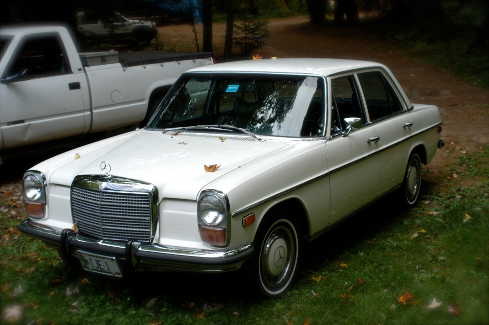 medium resolution of mercedes benz w114 wikipedia1973 mercedes benz w115 220d with us spec headlights and corresponding side markers