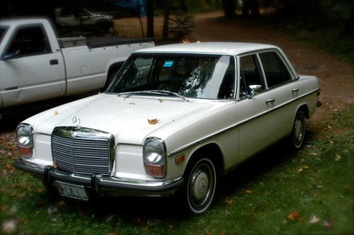 small resolution of mercedes benz w114 wikipedia1973 mercedes benz w115 220d with us spec headlights and corresponding side markers