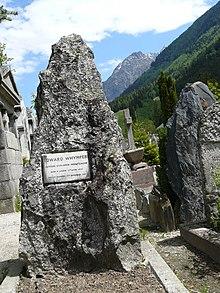 https://i0.wp.com/upload.wikimedia.org/wikipedia/en/thumb/1/10/Whymper_Grave.jpg/220px-Whymper_Grave.jpg